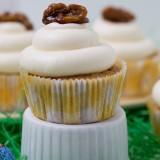 Moehren Walnuss Cupcakes mit Honig-Frischkaese Frosting_Bild 06
