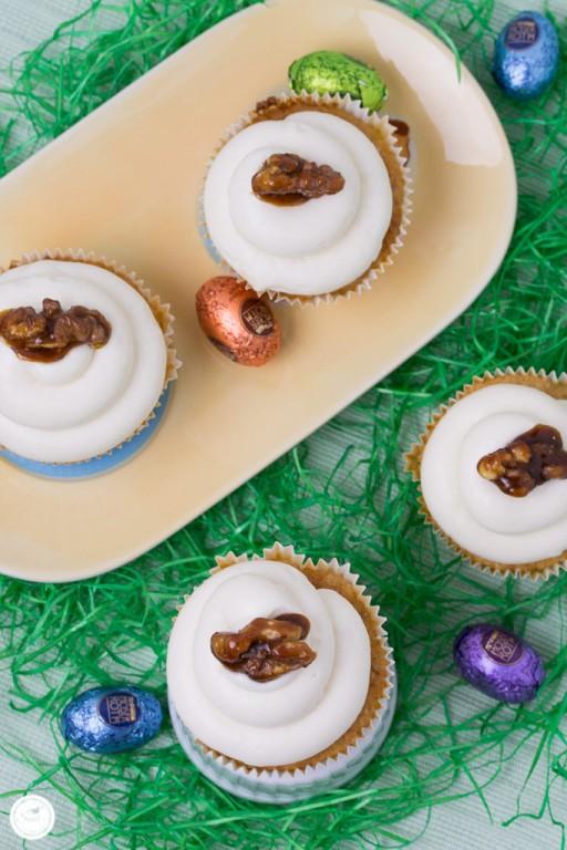 Moehren Walnuss Cupcakes mit Honig-Frischkaese Frosting_Bild 08